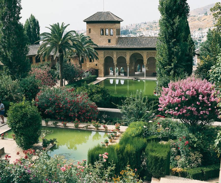 Gite andalousie proche grenade gite troglodyte vacances for Jardines alhambra