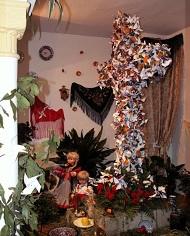 fleurs et croix à Guadix le 3 mai lors de la fête des croix ou fête dieu