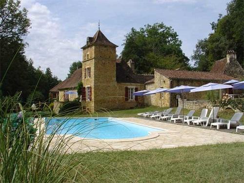 Gite avec piscine en Périgord, une halte vers l'Espagne